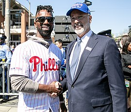 Andrew McCutchen and Tom Wolf (32686608477) (cropped).jpg