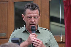 Andy Kershaw - At the unveiling of a blue plaque for the Who at the University of Leeds on 17 June 2006