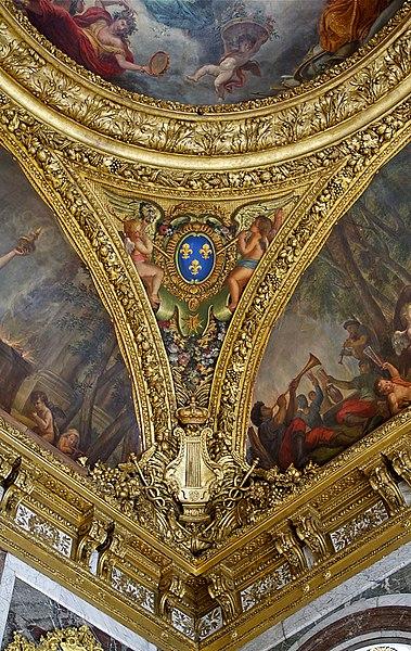 Datei:Angle salon de la paix Versailles.jpg