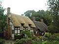 Anne Hathaway's Cottage - panoramio.jpg