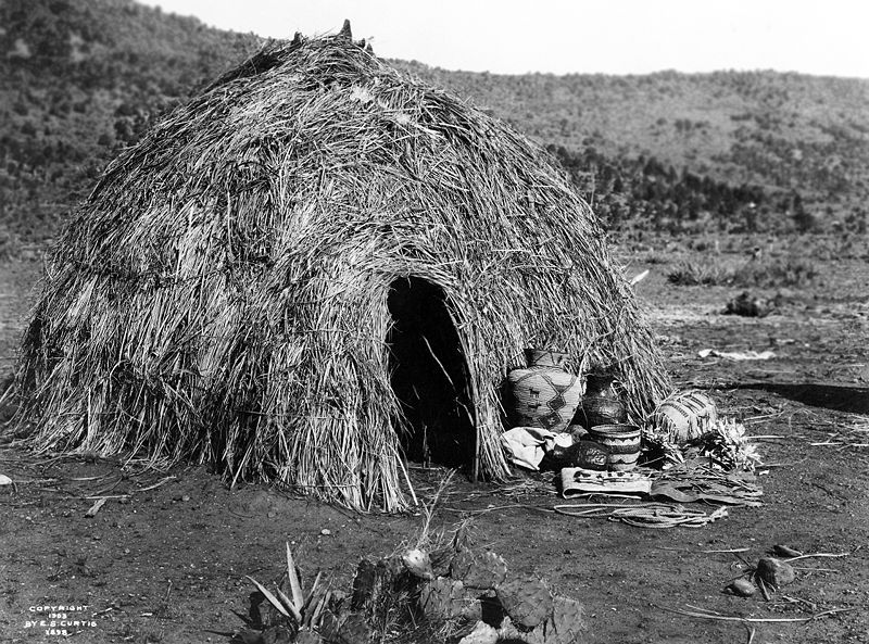File:Apache Wickiup, Edward Curtis, 1903.jpg