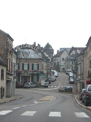 Arnay-le-Duc - Image: Arnay le Duc FR (march 2008)