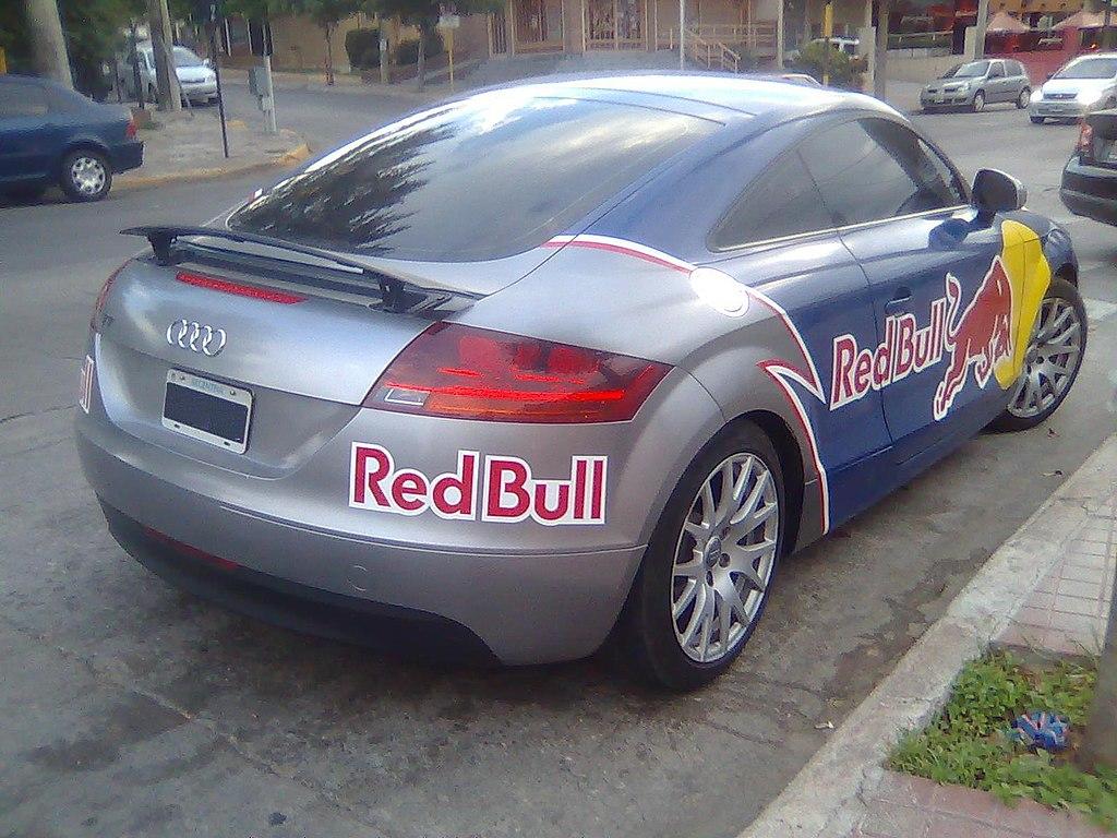 File:Audi tt redbull 3.jpg - Wikimedia Commons