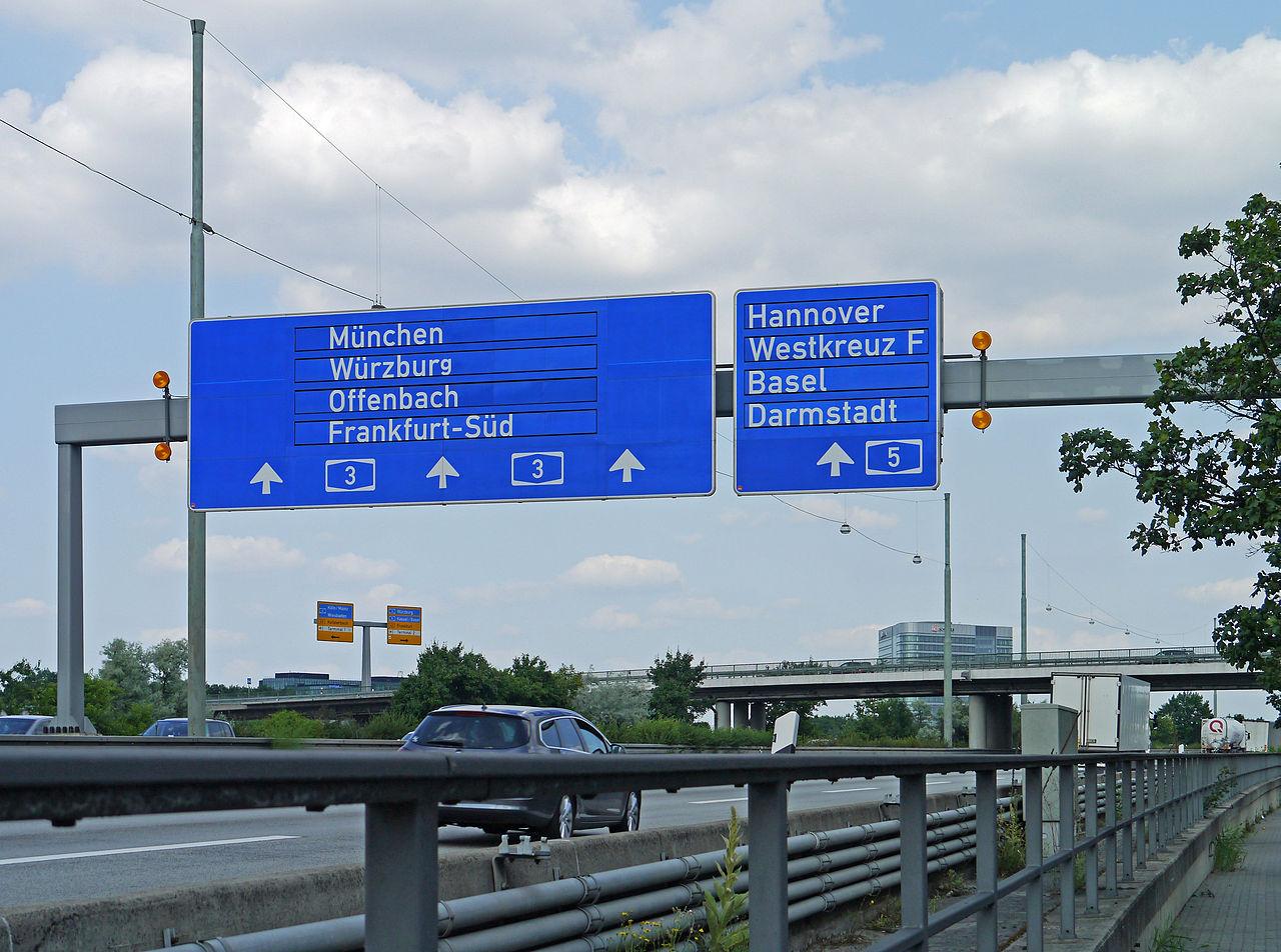 Frankfurt Germany Airport Dog Grooming Nearby