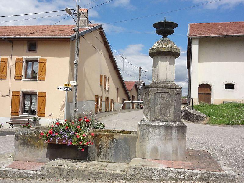 Autrepierre (M-et-M) fontaine haute