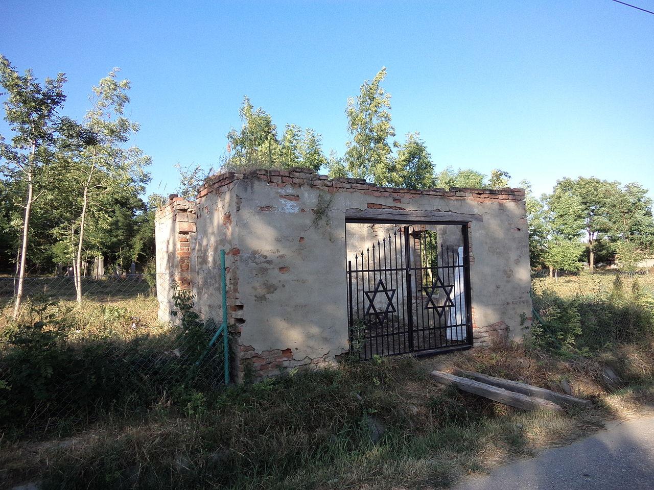 Bátorkeszi zsidó temető 1.JPG
