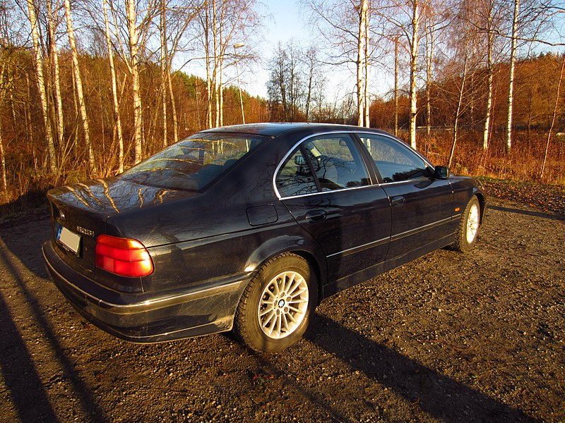 File:BMW E39 5-Series MY1999 523i (5).JPG