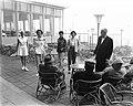 Badpakkenshow bij Hotel Bouwens te Zandvoort, Bestanddeelnr 907-6888.jpg