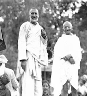 Islam in India - Khan Abdul Ghaffar Khan with Gandhi in 1930. Also known as Frontier Gandhi, Khan led the non-violent opposition against the British Raj and strongly opposed the partition of India.