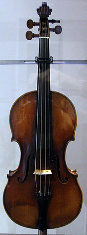 photo : violon Guarnerius de face