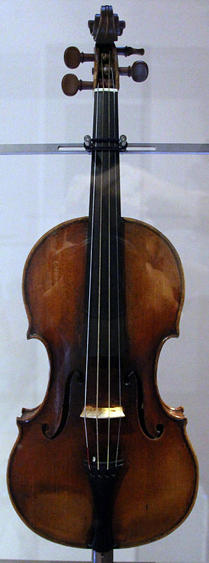 Giuseppe Guarneri - Violin Il Cannone, once owned by Niccolò Paganini
