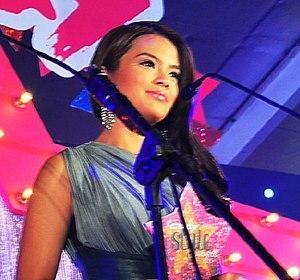 Bea Binene - Bea Binene receiving at the 2013 Candy Style Awards
