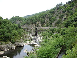 Beauvène (Ardèche, Fr) L'Eyrieux.JPG