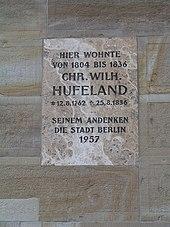 Gedenktafel in Berlin (Quelle: Wikimedia)