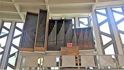 Berlin-Mitte St. Ansgar Orgel.jpg