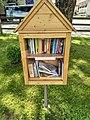Bibliothek (42063928281).jpg