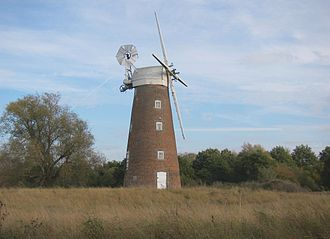 Billingford Windmill - Autumn full height view, from west