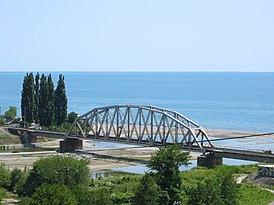 Железнодорожный мост у посёлка Аше