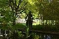 Bronzeplastik Frauenfigur am Wasser (Johanna Keller 1952) 01.jpg