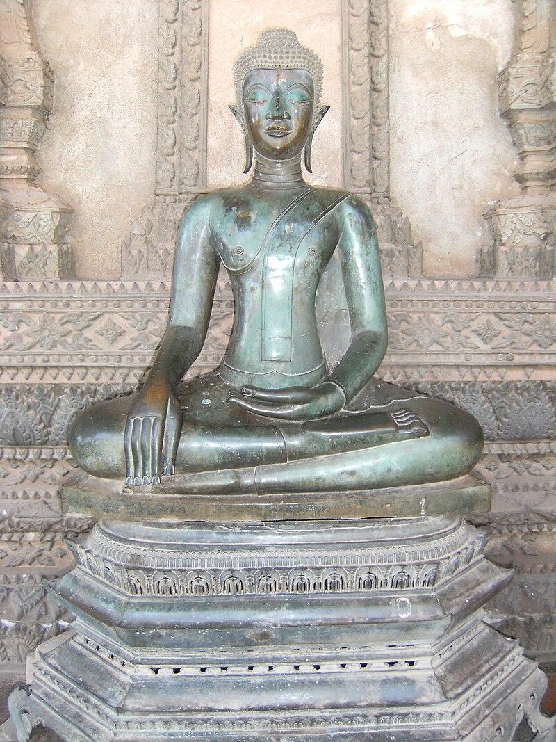 Buddha in Haw Phra Kaew.jpg