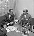 Bundesarchiv B 145 Bild-F022460-0008, Bonn, Schröder empfängt Nationalrat von Uruguay.jpg