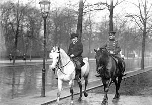 Bernhard von Bülow - Bernhard Fürst von Bülow (left) at Berlin's Tiergarten.