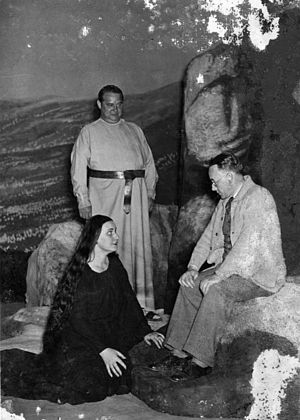 Marta Fuchs - Marta Fuchs with Heinz Tietjen and Ivar Andresen at the Bayreuther Festspielen, 1936