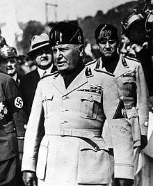Benito Mussolini Bentuk Partai Fasis