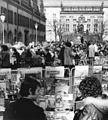 """Bundesarchiv Bild 183-L0318-0109, Leipzig, Naschmarkt, """"Alte Börse"""", Straßencafé.jpg"""