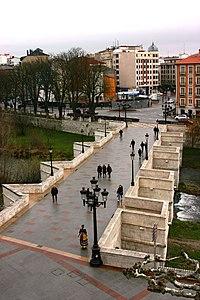 Burgos - Santa María Bridge (2).JPG
