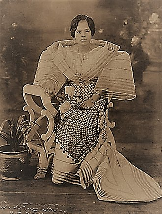 Maria Clara gown - Maria Clara gown one of the most famous variant of Baro't saya women's clothing in the Philippines