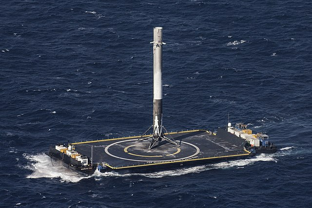 NASA, SpaceX launch historic Falcon 9 flight 640px-CRS-8_%2826239020092%29