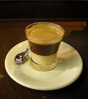 Condensed milk - Image: Cafe bombon Daquella manera