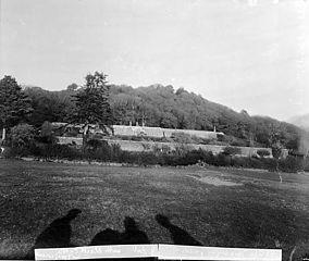 Castell Madrun gardens, Buan