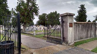 Cedar Grove Cemetery (Portsmouth, Virginia) - The entrance to the cemetery