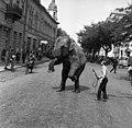 Cegléd 1972, elefánt, Szabadság tér. - Fortepan 87648.jpg