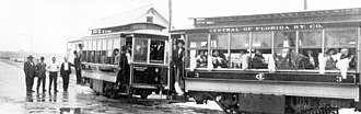 Broadway Bridge (Daytona Beach) - Streetcars of the Central Florida Railway Co. in 1913, with the bridge in the background
