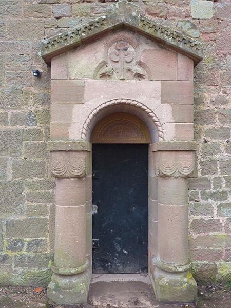 """Porte du bâtiment dit """"chapelle"""" du château du Lutzelbourg, Lutzelbourg, Moselle, France"""
