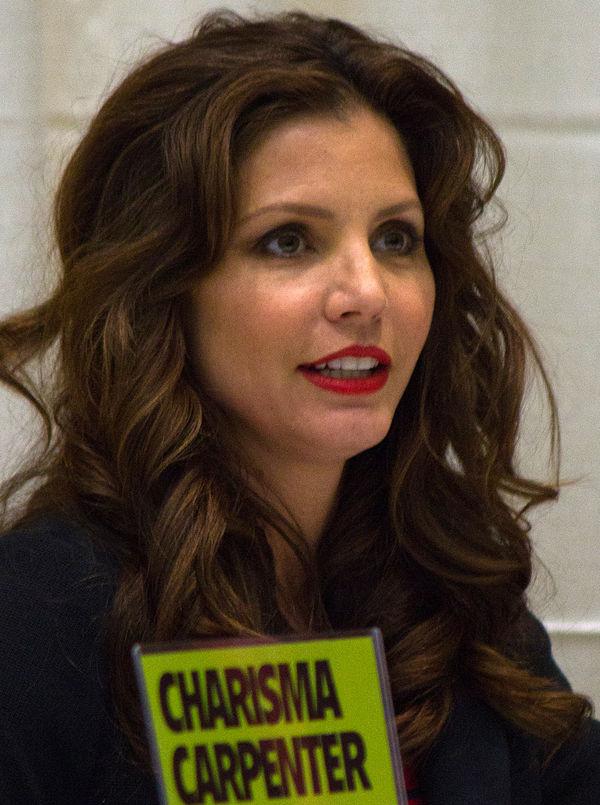 Photo Charisma Carpenter via Wikidata
