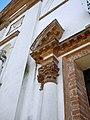 Chiesa della Natività della Beata Vergine Maria, dettaglio portale (Schiavonia, Este).jpg