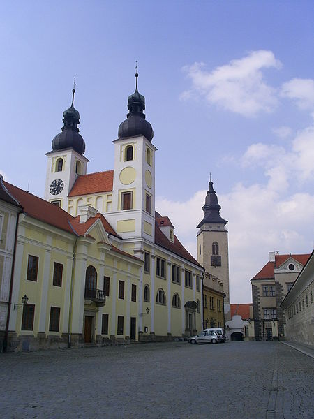 Файл:Churche in Telč.jpg