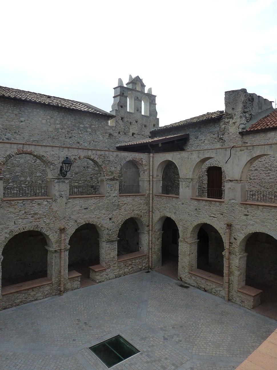 Convento domenico con campanile placanica