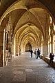Couloir cloître cathédrale Notre-Dame Bayonne.jpg