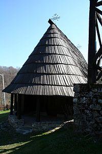 Crkva brvnara Skadar 034.jpg