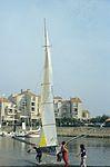 Dériveurs 18 pieds australiens au Salon Nautique International à Flot de La Rochelle 1987 (15).jpg