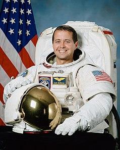 Astronaut Daniel W. Bursch, NASA photo (6 March 2000)<br />Source: https://en.wikipedia.org/wiki/File:Daniel_Bursch.jpg 238px-Daniel_Bursch.jpg