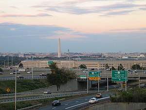 Pentagon road network - Looking north on I-395 toward the Pentagon