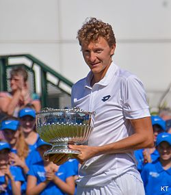 Denis Istomin Aegon Open Nottingham 2015.jpg
