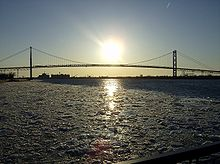 DetroitRivericeflowsAmbridge.jpg