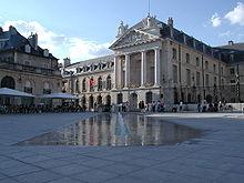 220px-Digione_palazzo_duchi dans Ma Bourgogne En détails